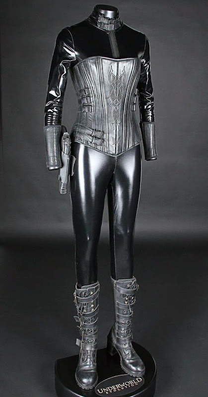 Kate Beckinsale Selene Death Dealer costume Underworld: Evolution