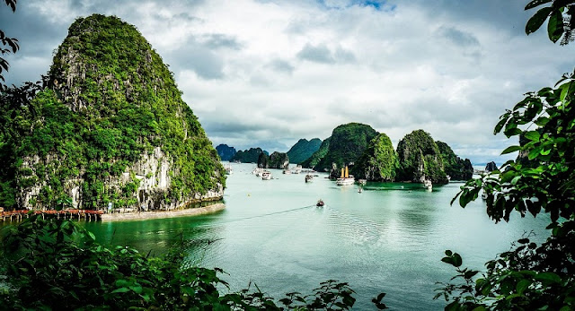 Behind the name Ha Long Bay is a myth 1