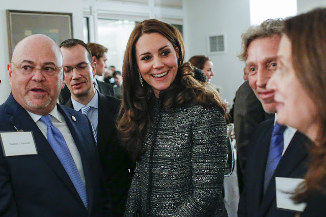 Catherine, Duchess of Cambridge meets former US Secretary of State, Hillary Clinton as Prince William, Duke of Cambridge meets Chelsea Clinton during a conservation reception at British Consul General's Residence