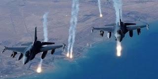 Les avions de combat de la ''Coalition internationale'' bombardent aux bombes phosphoriques