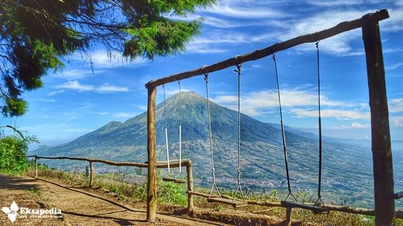 Pemandangan Gunung Sindoro Dari Sedengkeng Pass
