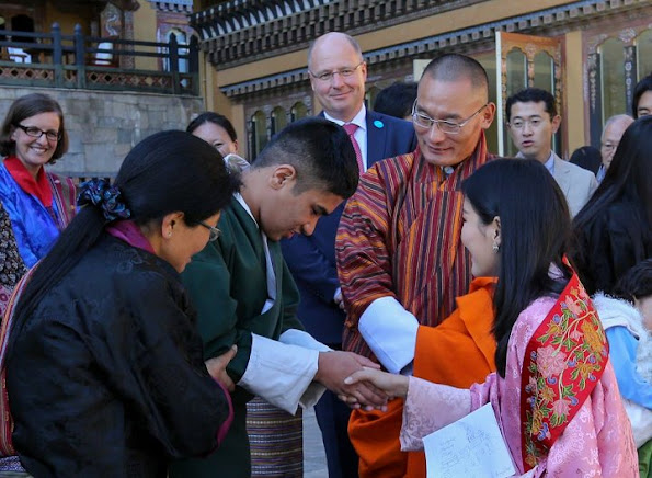 The Gyaltsuen Jetsun Pema Wangchuck is The Queen of Bhutan, style dress, Kate Middleton