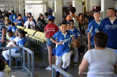 Blog Kiosk: 6/26/2016 – Dodgers Links – Some Odds and Ends