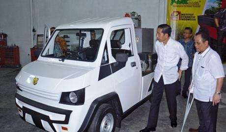 Soal Produksi Mobil Esemka, Presiden Jokowi: Tunggu Tanggal Mainnya