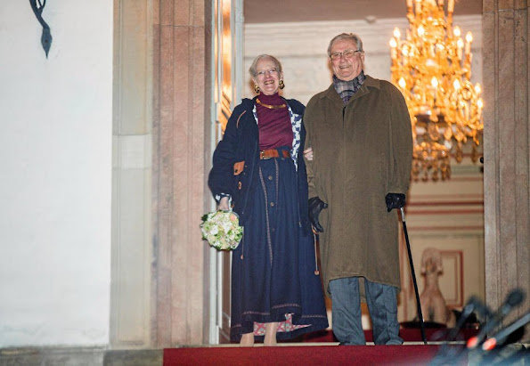 Queen Margrethe of Denmark and Prince Consort Henrik watched the traditional 2016 Fredensborg city torchlight procession (Fredensborg bys fakkeltog 2016)
