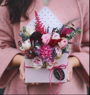 K'Mich Weddings - wedding planning - love letter flowers - envelope flowers