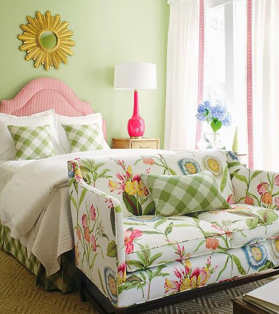 cuarto en verde y rosa