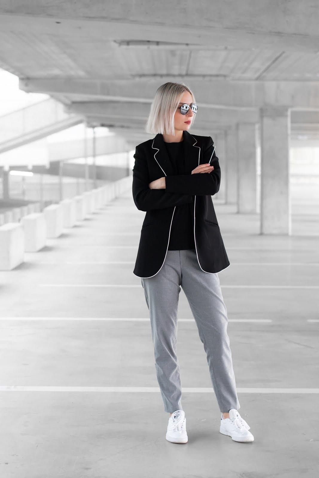 Black blazer, mango, smart style trousers uniqlo, weekday t-shirt, reebok club sneakers, minimal, street style, minimalist, belgium