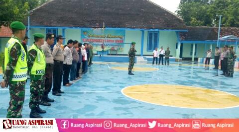 Perkuat Sinergitas, TNI-Polri dan Penyelenggara Pemilu 2019 Kecamatan Kapongan Gelar Apel Kesiapan