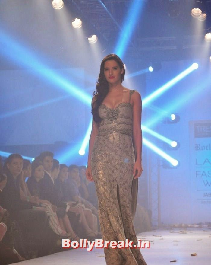, Indian Models HD images in Gowns - Rocky Star Dresses