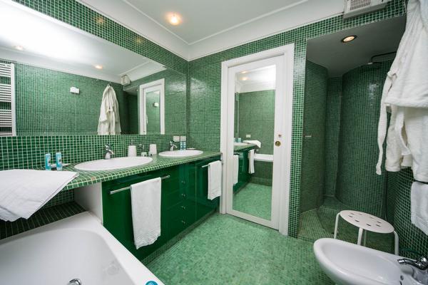 ba os color verde colores en casa