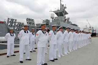 Marinha abre seleção com salários de até R$ 11 mil