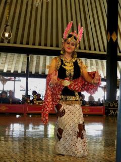 Pengertian Tari Tradisional Klasik : pengertian, tradisional, klasik, Tarian, Tradisional, Yogyakarta, Murtiningrum