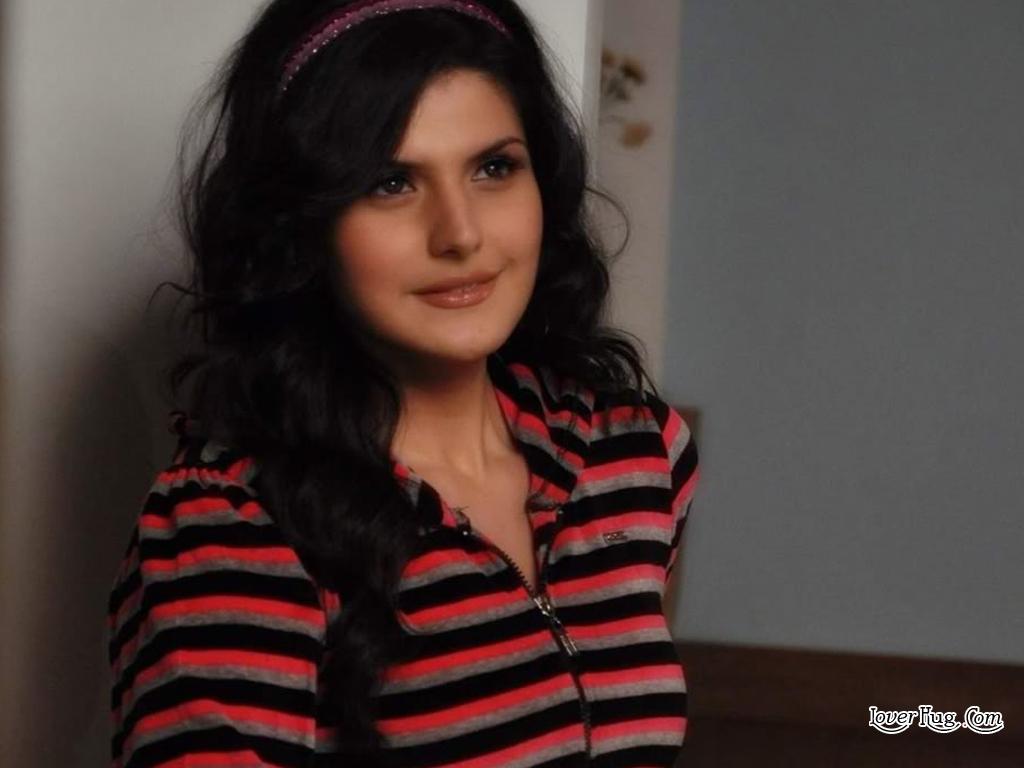 Model Sexi Of Beautiful Girl Zarine Khan , Wallpapers -3493