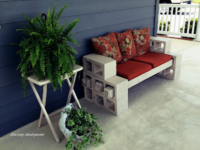 how to build inexpensive outdoor bench using concrete blocks