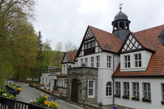 Saalfelder Feengrotten - Quellenhaus und Gasthaus
