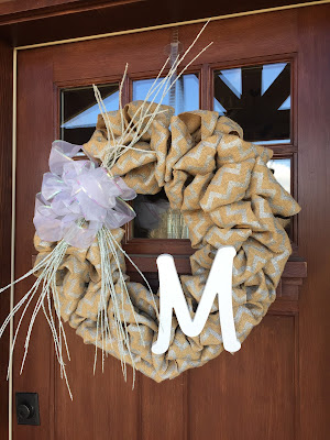 burlap wreath, winter decorating, front porch, #millsnewhouse