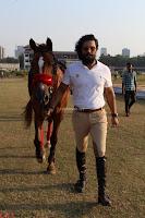 Randeep hooda with a Beautiful HorseJPG (6).JPG