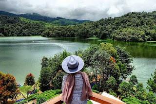 Sungai Citarum dari Villa Prancis