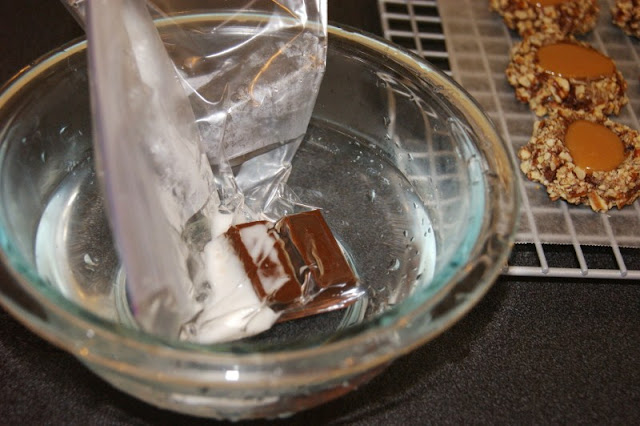 How to Melt Chocolate in Warm Water image