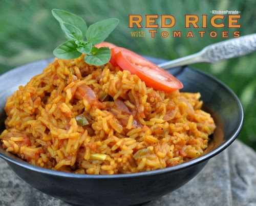 Red Rice with Tomatoes, a lovely rouge-tinted vegan summer side dish. Recipe, inside tips, nutrition, Weight Watchers points at Kitchen Parade.