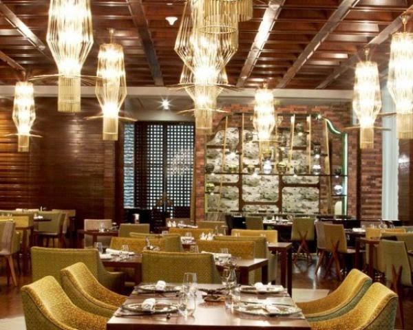 Dining experience at restaurants in Mumbai