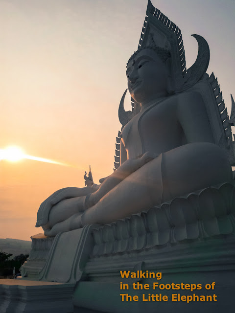 Buddha in the early morning sun in Loei - Thailand