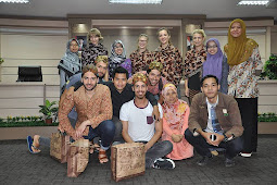 You Are Lucky : Experiencing Indonesia With The Student of Goettingen University