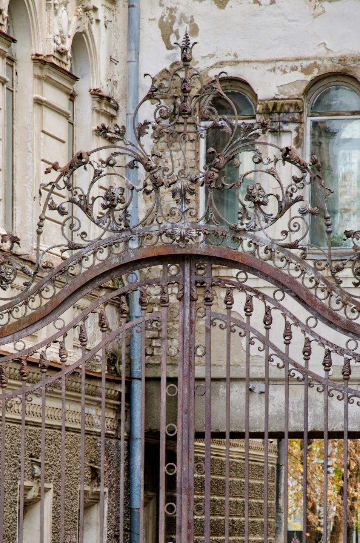 Ворота в Костроме