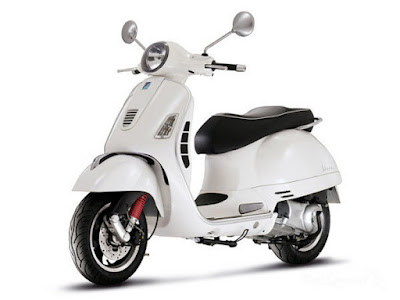 New 2017 Vespa GTS 300 Super Sport white color Hd Photos