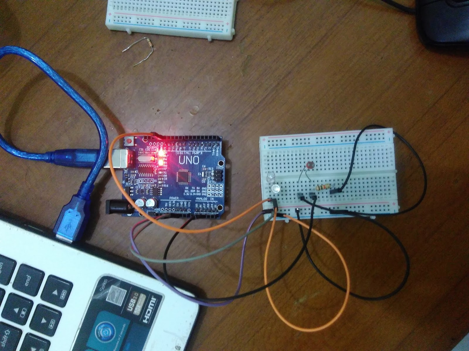 Membuat Sensor Cahaya Menggunakan Ldr Dan Arduino Uno Mechatronic Ivhasil Kerja