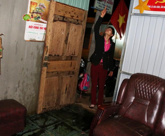 """Gia Lai: Nhà một cô giáo bị tấn công bằng """"bom xăng"""" giữa đêm"""