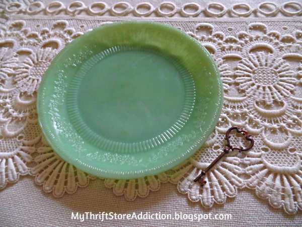 Friday's Find #141 mythriftstoreaddiction.blogspot.com Vintage jadeite: Alice pattern dinner plate scored for $1 at a thrift store!