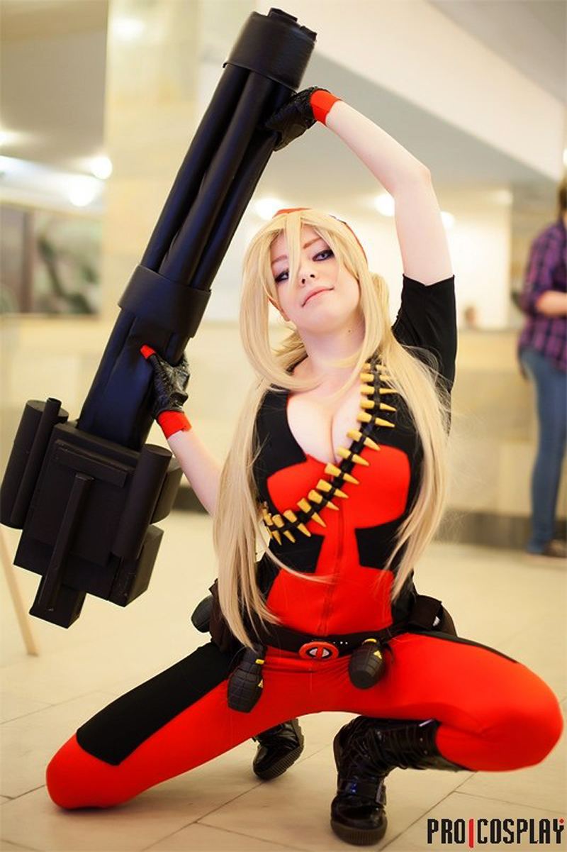 Lady Deadpool (MARVEL) Cosplay 1