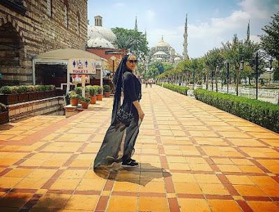 Sahar Ghoreishi at ancient place