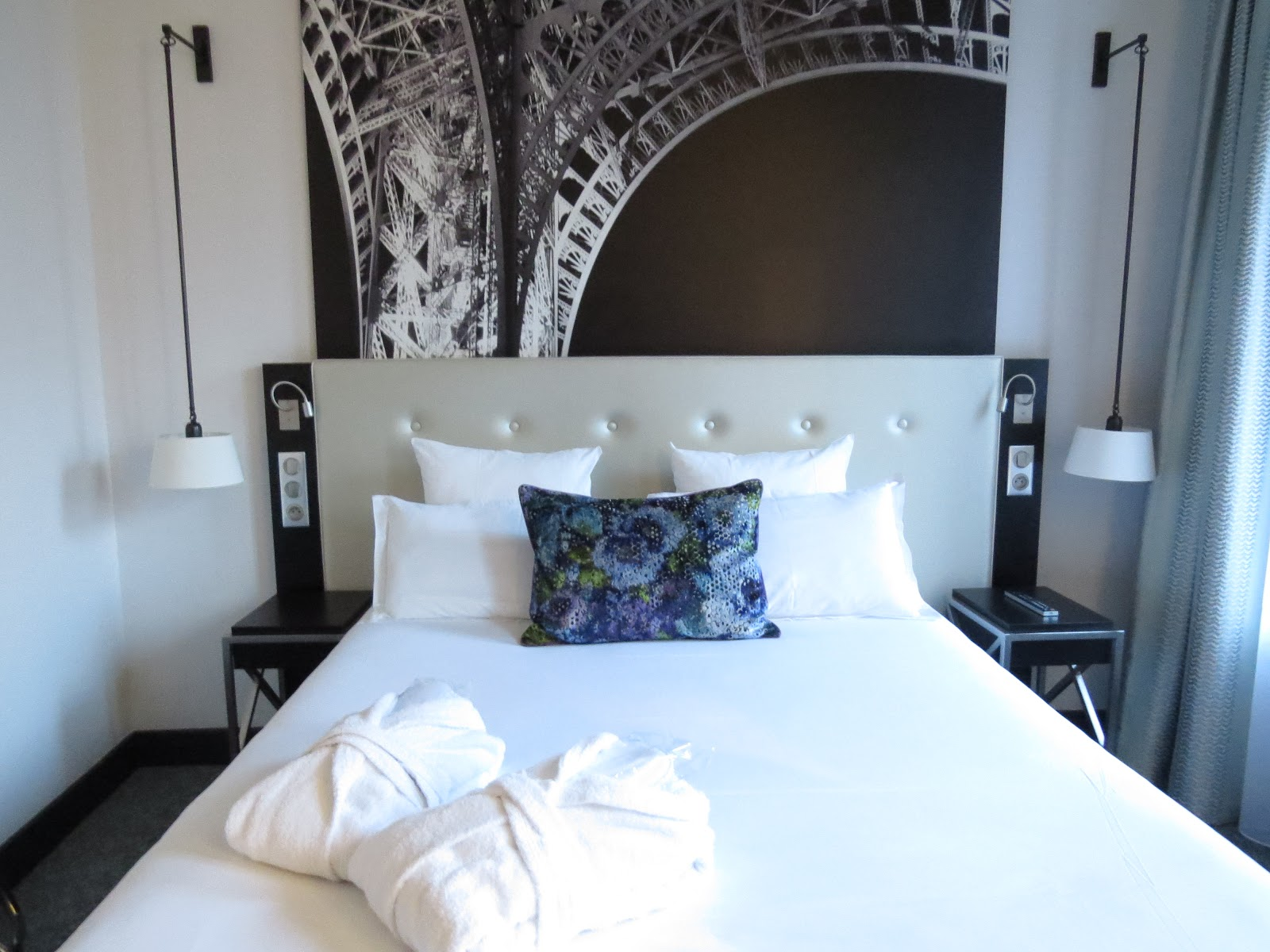 Katie 39 S Kite Hotel Gustave Romantic Hotel With The View: eiffel tower secret room
