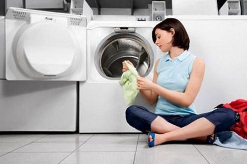 Vệ sinh sạch máy giặt bằng giấm ăn