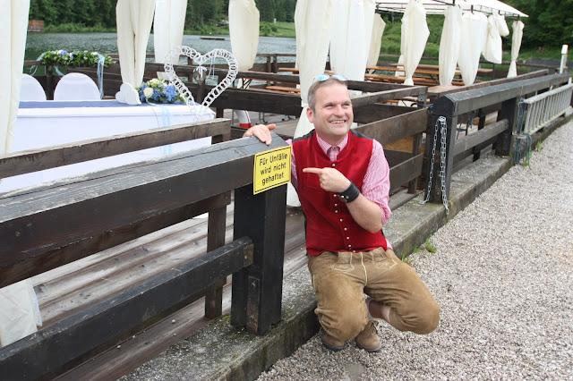 Zeremonienmeister Thorsten Friedrich - das Kontor - Trauung auf dem See mit dem Riessersee-Floss - Hochzeit im Riessersee Hotel Garmisch-Partenkirchen, Bayern - Wedding in Bavaria, #Riessersee #Garmisch #Hochzeit #wedding #Location #wedding venue #Bayern #Bavaria