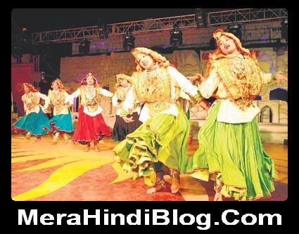 पुरुष और महिला मांगलिक कार्यों में रंगीन कपड़े क्यों पहनते हैं? Colorful clothes in auspicious functions