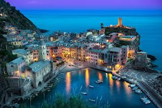 vernazza-ciudad-italiana-situada-en-la-provincia-de-la-spezia-liguria