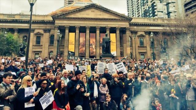 Australianos protestan contra torturas de jóvenes indígenas