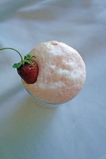 fudge ripple: strawberry cream soda