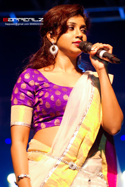shreya ghoshal hot navel in saree