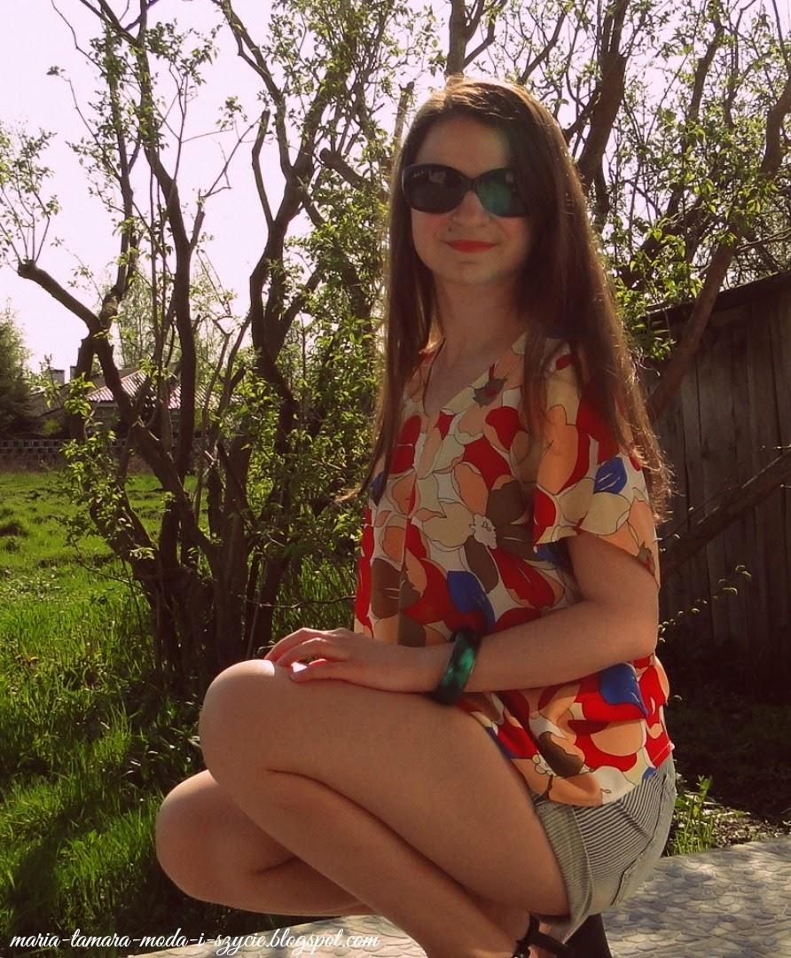http://maria-tamara-moda-i-szycie.blogspot.com/2013/05/flower-power.html