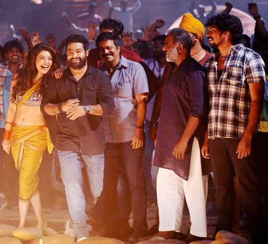 pakka local song latest stills