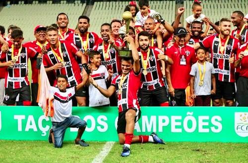 conquista a Taça dos Campeões