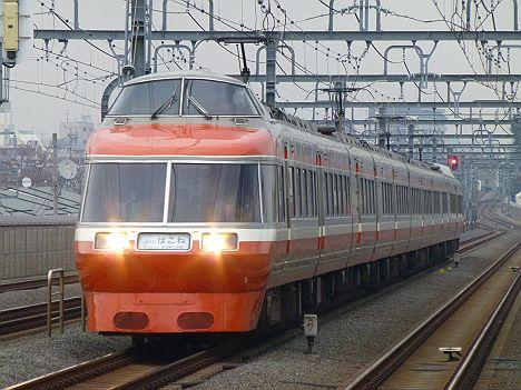 小田急電鉄 スーパーはこね13号 箱根湯本行き LSE7000形(代走)