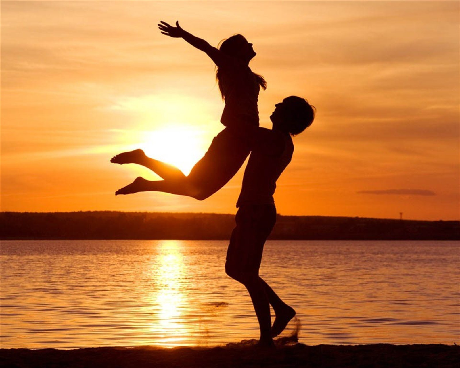 20 HD WALPAPER ROMANTIS DENGAN BACKGROUND SUNSET