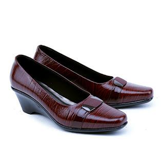 Sepatu kerja wanita,model sepatu heels formal,grosir sepatu kerja wanita, grosir sepatu kerja murah,sepatu kerja wanita garsel terbaru,model sepatu guru wanita,model sepatu pantofel wanita kulit asli,sepatu kerja warna maroon