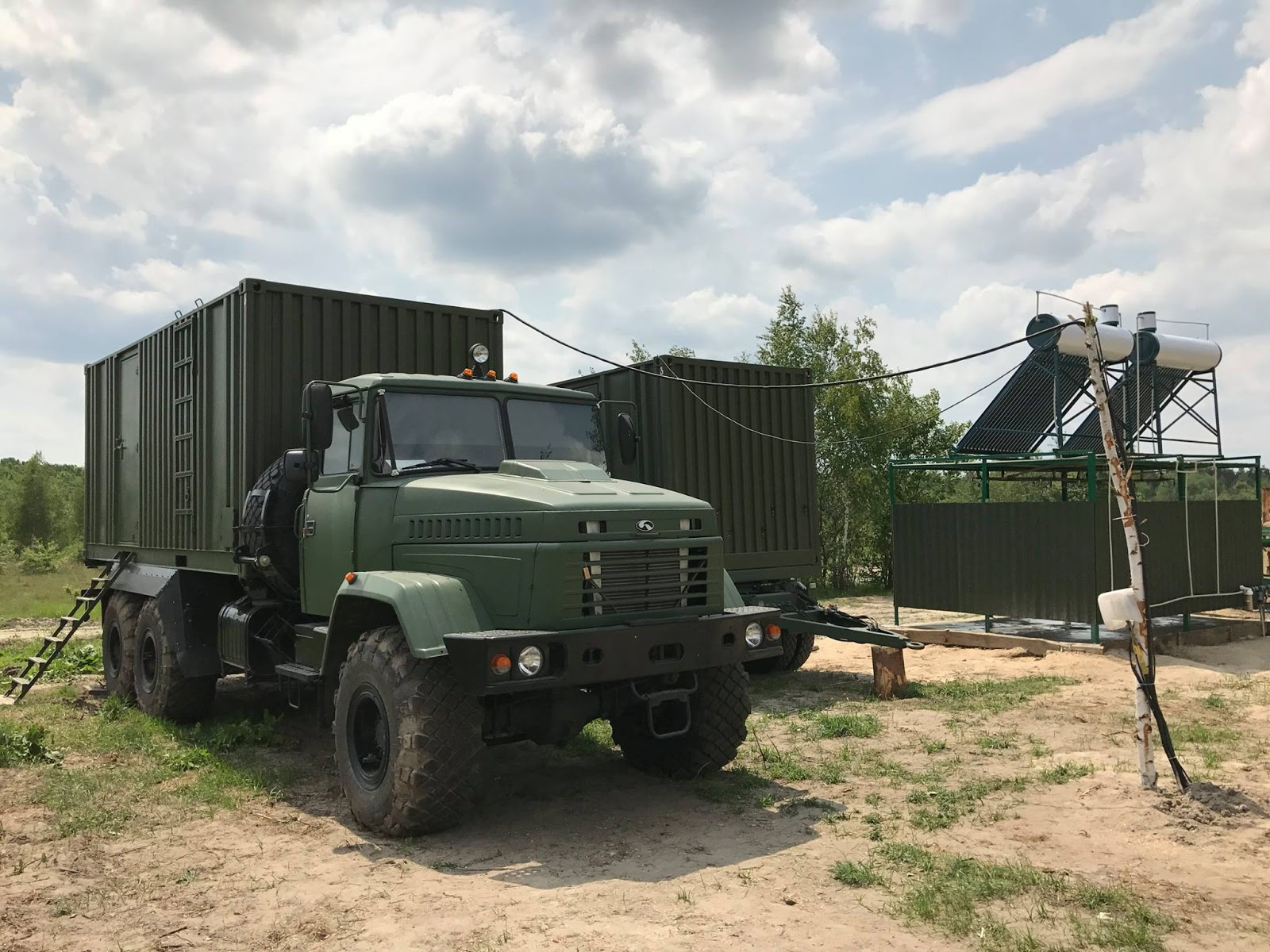 Modules with shower cubicles, toilets and mobile laundry, which arrive in the Armed Forces of Ukraine from 2015, were also presented